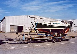 Probably the first Halman 20 to be imported into the UK from Canada, via Thamesport, Kent and transported to Cardiff Marina. Please note, all American...